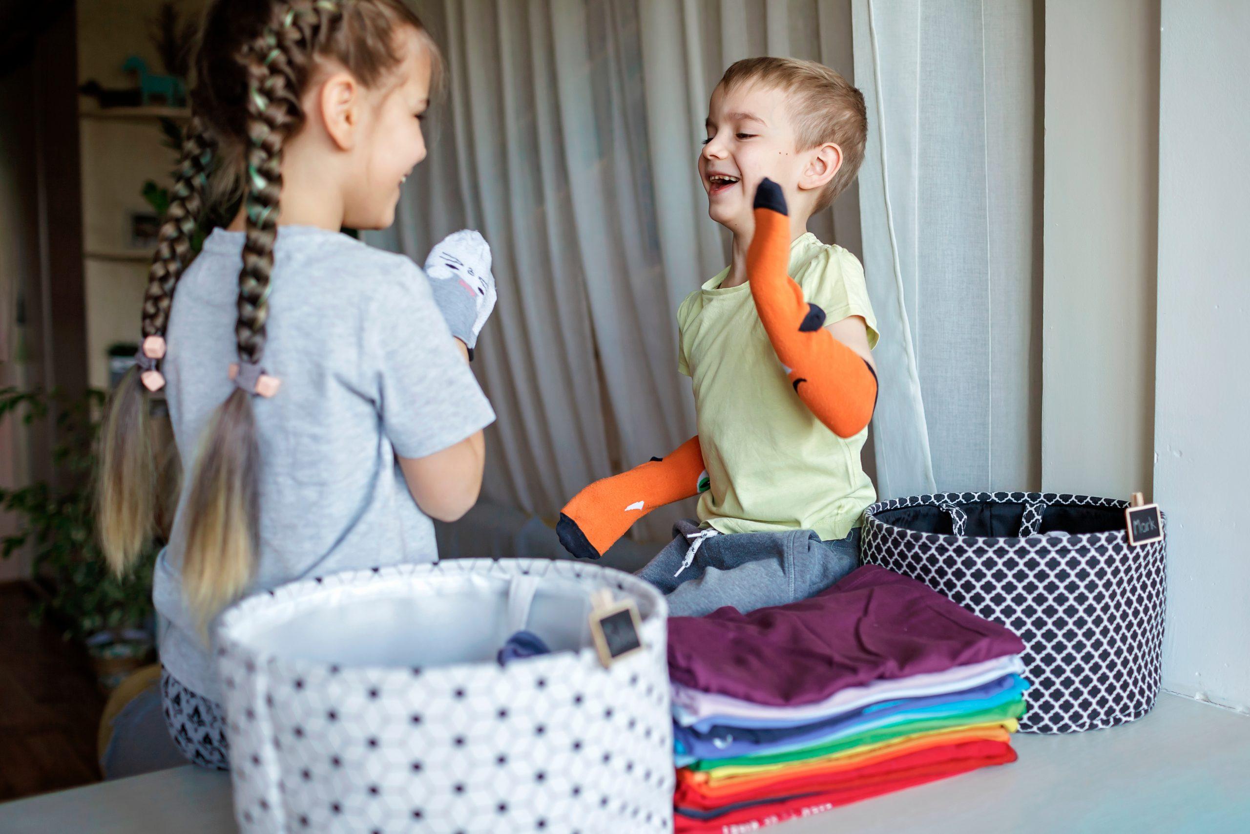 Dete, devojčica, dečak, veš, kućni poslovi