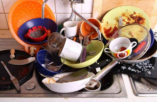 Prljavi sudovi, puna sudopera