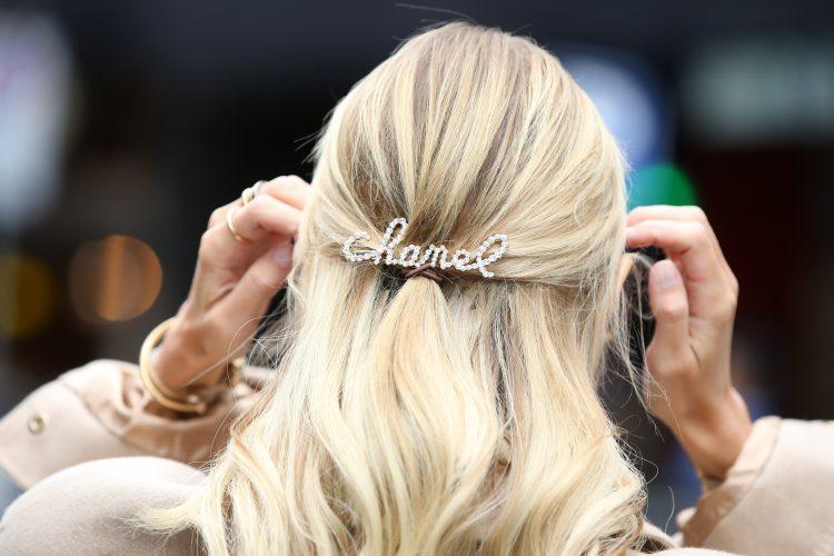 kosa; šnala; frizura