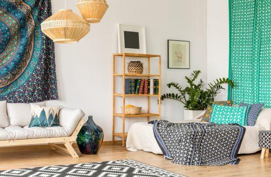 Spavaća soba, krevet, trosed, stan, mali stan, nameštaj, boje