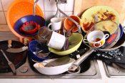 Prljavi sudovi, prljavo posuđe, posudje
